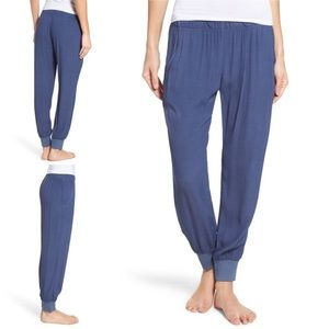 Monrow Lounge Jogger Pant in Blue Size Medium